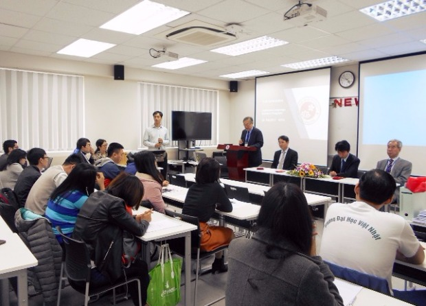 and jicas chief adviser at vju mr satoru kohiyama paid a spring visit and delivered 2017 new year greetings to all master students of the university