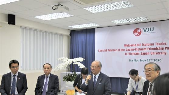 Cố vấn đặc biệt Liên minh Nghị sỹ Nhật - Việt, ngài Tsutomu Takebe đến thăm VJU và trò chuyện với sinh viên